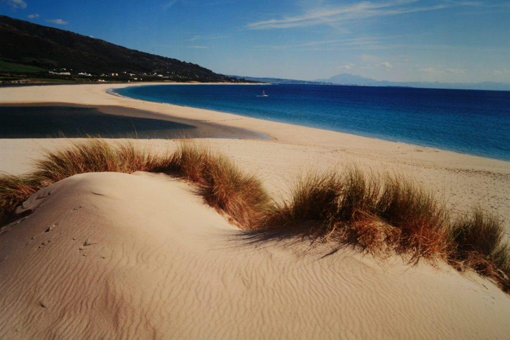 turismo por Tarifa_playa-de-valdevaqueros