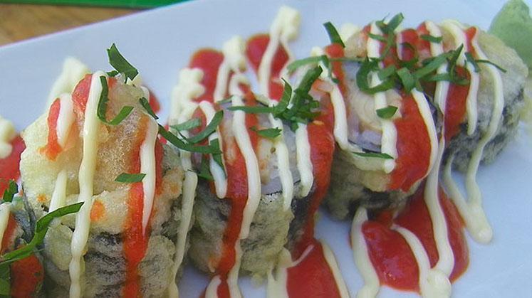 Maki sushi tempurizado de melva canutera Conservera de Tarifa