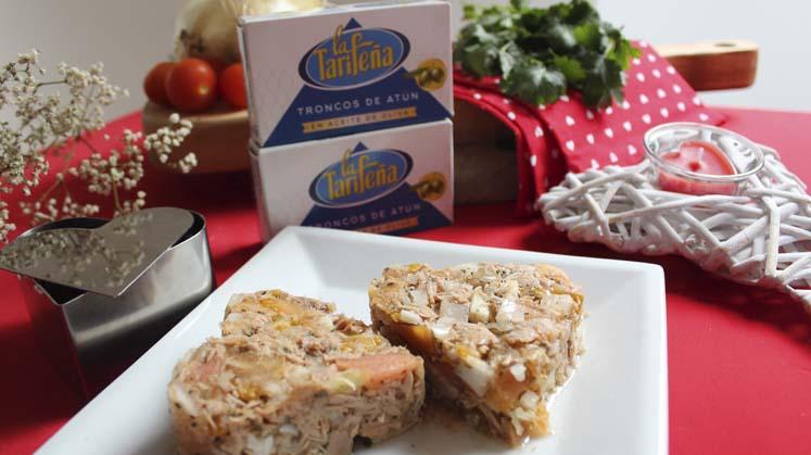 receta de tartar de troncos de atún La Tarifeña y tomate